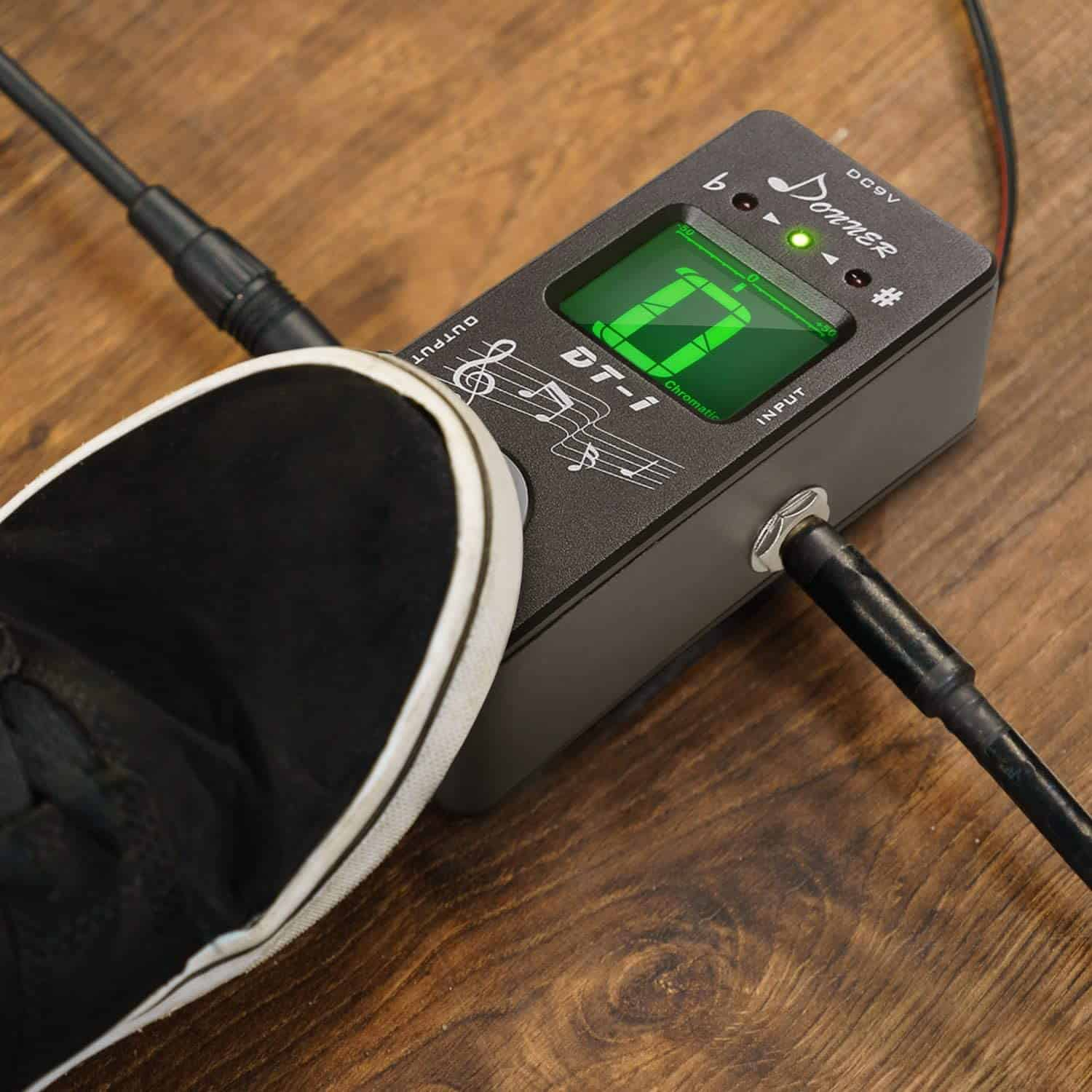 Best cheap budget tuner pedal: Donner Dt-1 Chromatic Guitar Tuner