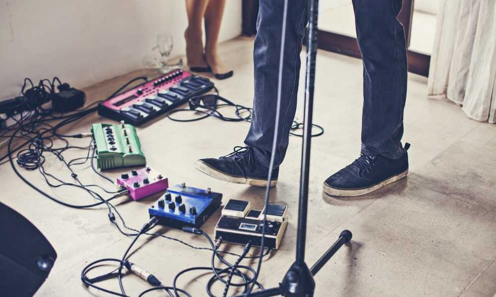 Can-You-Use-Guitar-Pedals-for-Vocals-2
