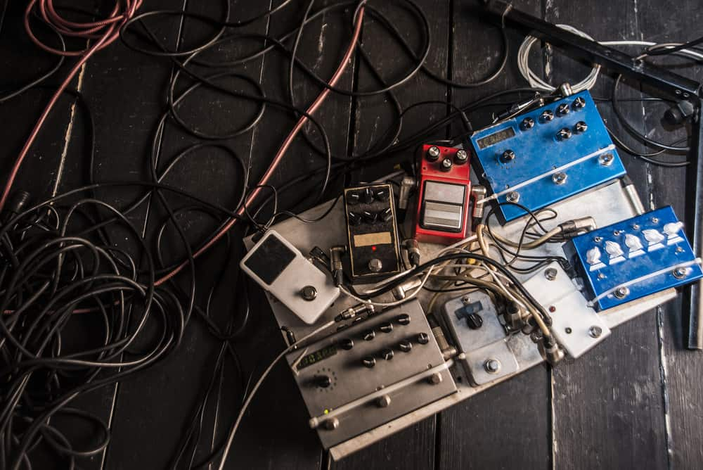 How to Set Up Guitar Effects Pedals & make a pedalboard