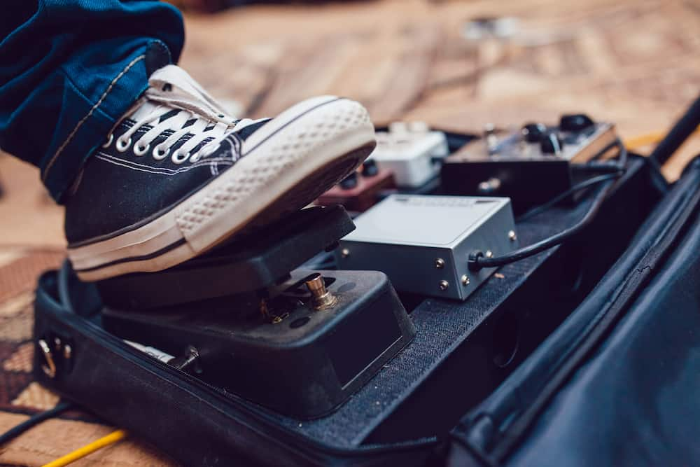 Pedalboard with wah