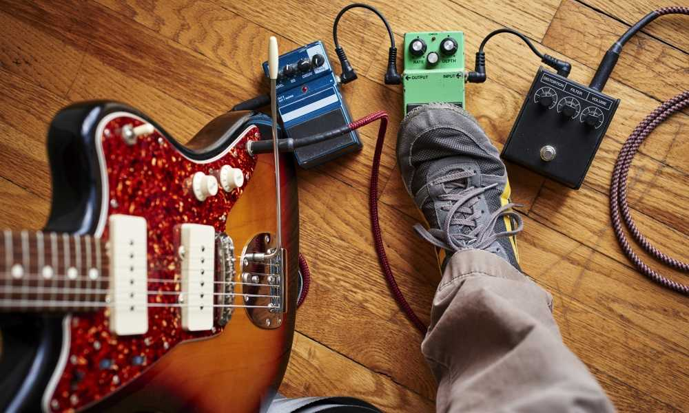 Powering multiple guitar pedals