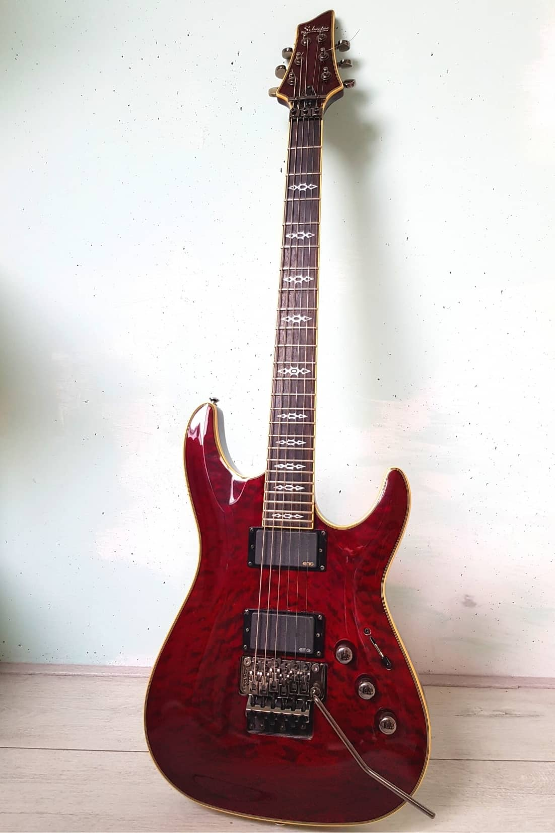Best sustain in a guitar Schecter hellraiser C-1 FR S BCH