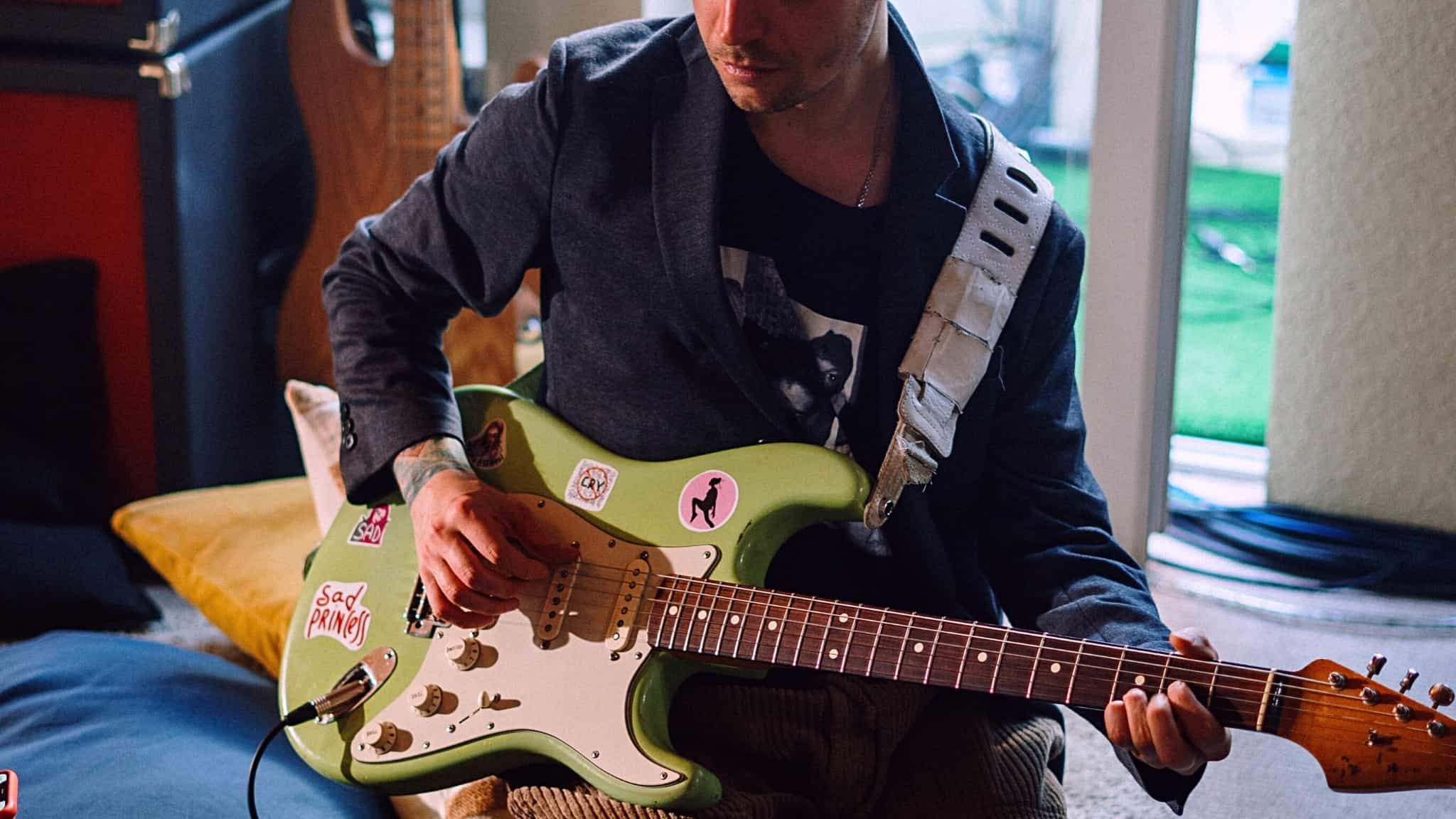 Ash wood in a stratocaster guitar