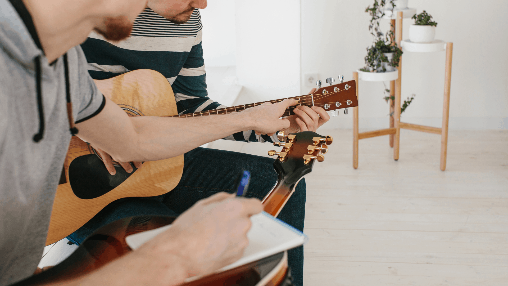 Best self-teaching guitars & useful guitar learning tools to practice your play