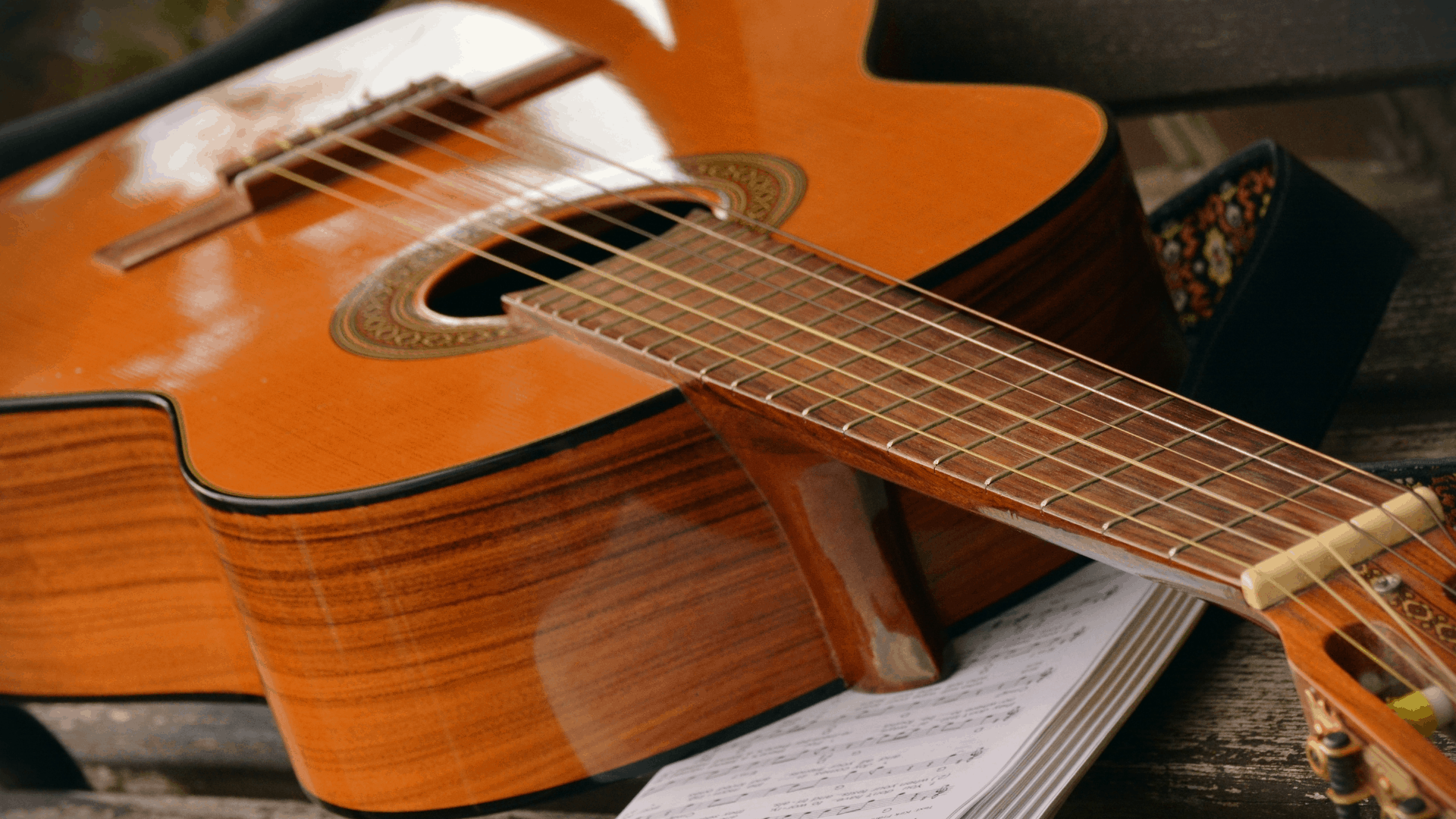 How to ship a guitar without a case | Make sure it arrives safely